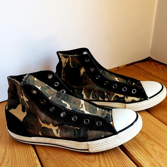 38aaf28ccdfa Converse Other - CONVERSE CHUCK TAYLOR ALL STAR CAMO M 5 W 7 WORN